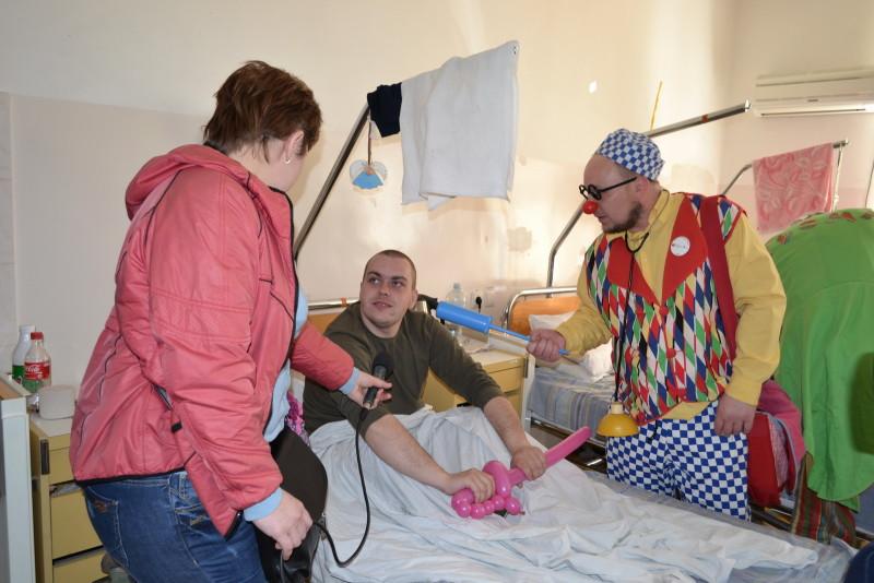 """e8bf74a82ec92e6b063ba8a4b57a119641a807b1-e1459765167489 """"Кварталовцы"""" посетили раненных бойцов АТО в Одессе (фото)"""