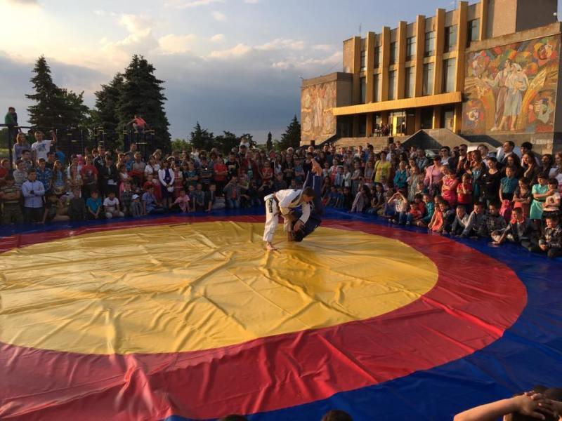Килийский р-н: в селе Шевченково состоялся массовый спортивный праздник (фото)