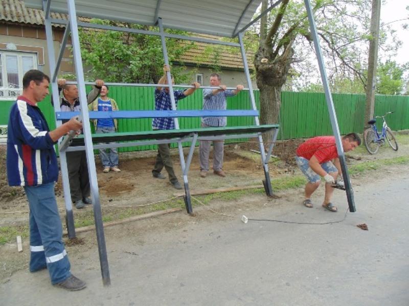 15 Измаильский р-н: в селе Озерное установили новые автобусные остановки (фото)