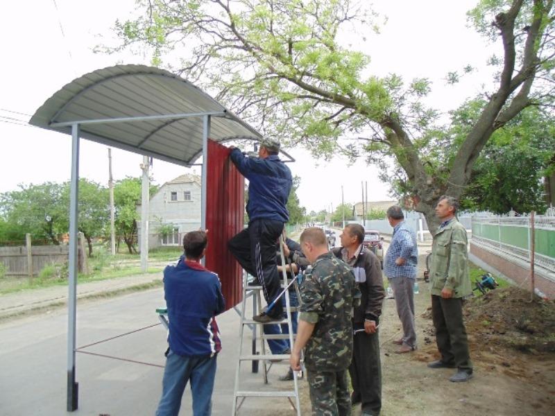17 Измаильский р-н: в селе Озерное установили новые автобусные остановки (фото)