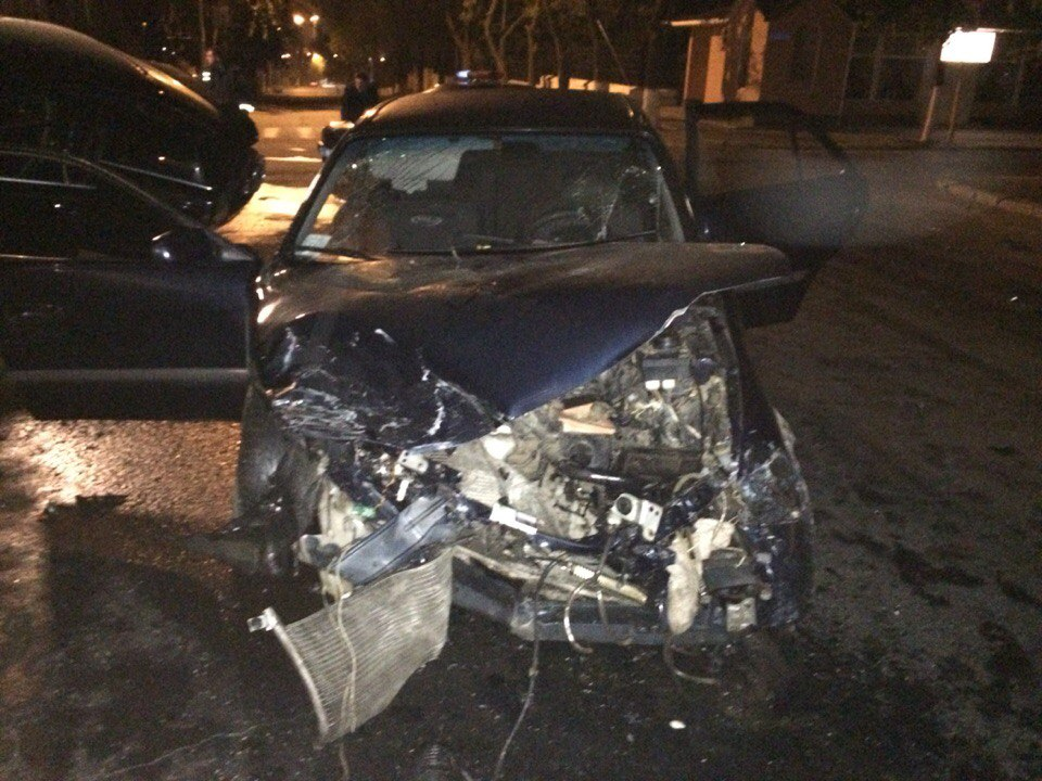 AYsV1VtOxMQ Ночное ДТП в Измаиле: Mazda vs Audi (фото)