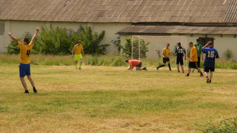 DSCN2349 Измаил: пограничники сыграли в футбол с полицией (фото)