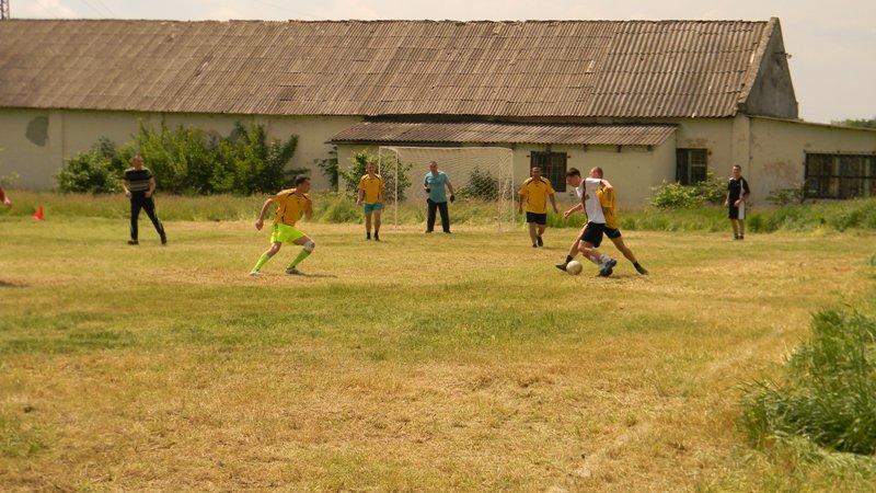 DSCN2370 Измаил: пограничники сыграли в футбол с полицией (фото)