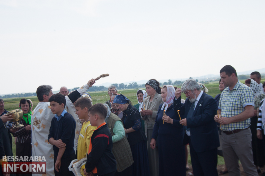 Ренийский р-н: на въезде в село Орловка установили уникальный поклонный крест (ФОТО)