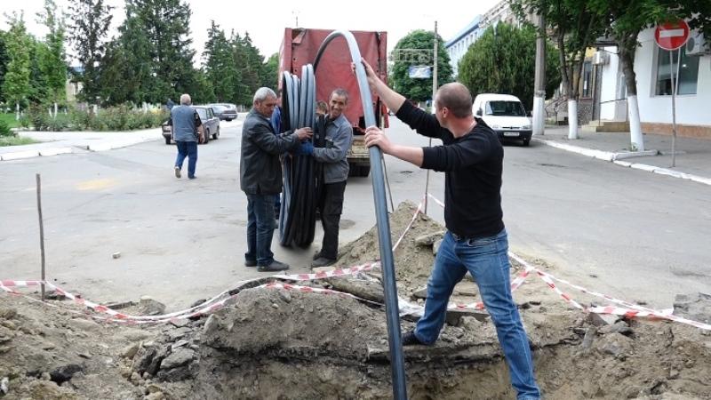 Truby-2 В Рени меняют старые водопроводные трубы без рытья траншей (фото)