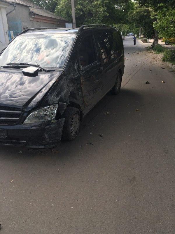 l4_YupX6VE4 Измаил: в результате ДТП на Болградской пострадали два автомобиля