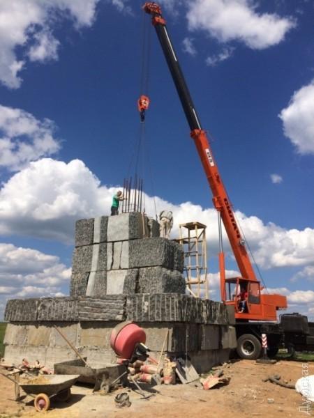 picturepicture_74081593149811_56865 В Тарутинском р-не устанавливают памятник, который может войти в Книгу рекордов Гиннеса
