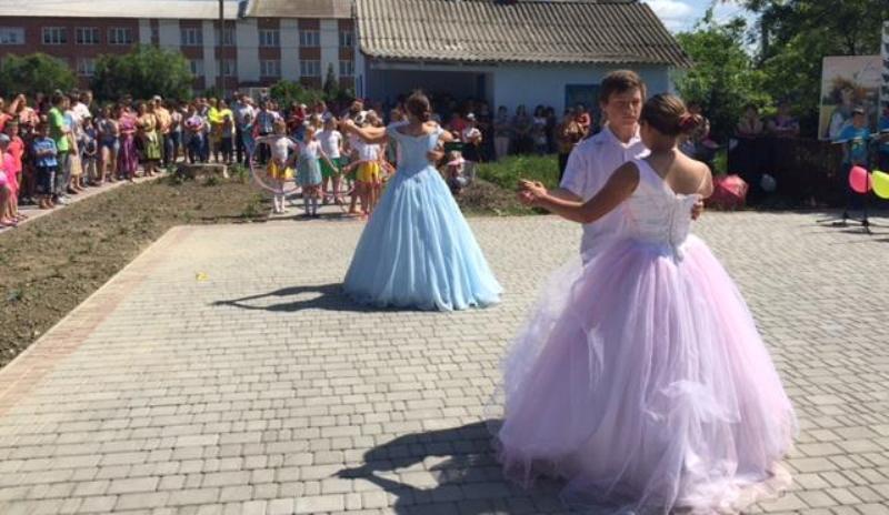 13315233_245243172513333_6465959704925361019_n Килийский район: в селе Лески состоялось торжественное открытие парка культуры и отдыха (фото)