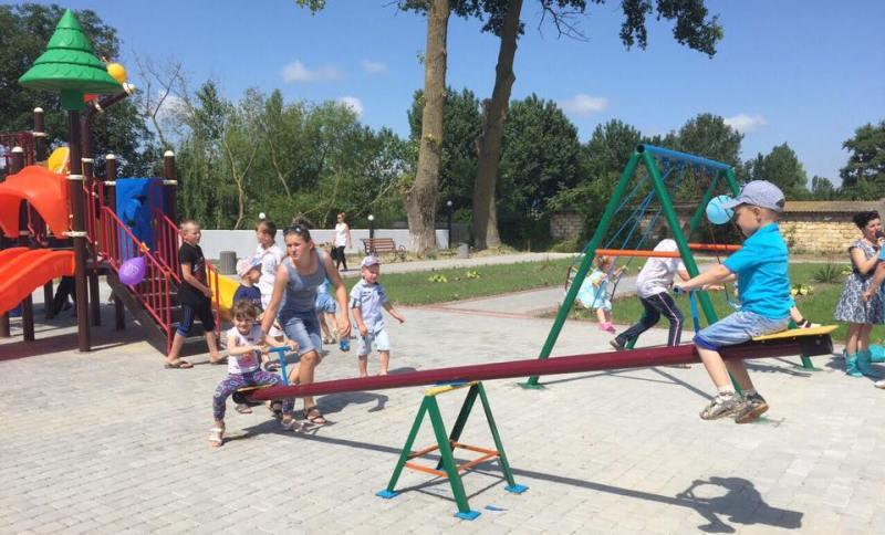 13346914_1015900205132651_148176087353225398_n Килийский район: в селе Лески состоялось торжественное открытие парка культуры и отдыха (фото)
