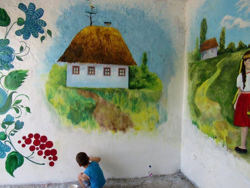 13417518_525573147628653_2609949999463366980_n Вандалы испортили раскрашенную в украинском стиле остановку в Измаильском районе (ФОТО)