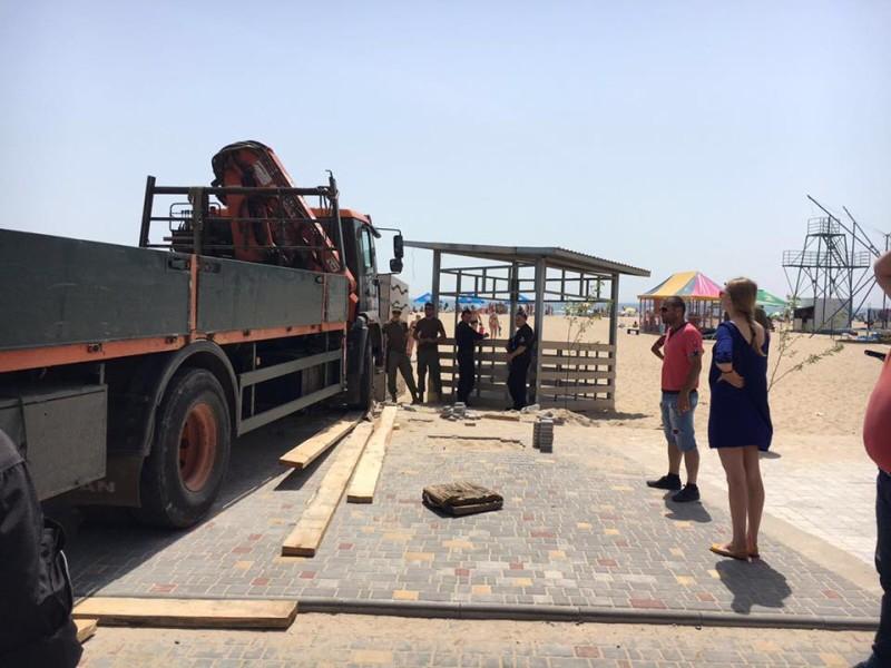 В Затоке устанавливают спасательные вышки (ФОТО)