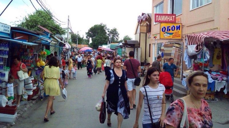 6J0voSXnVNE В Измаиле сняли режим ЧC: в городе открылись рынки и кафе
