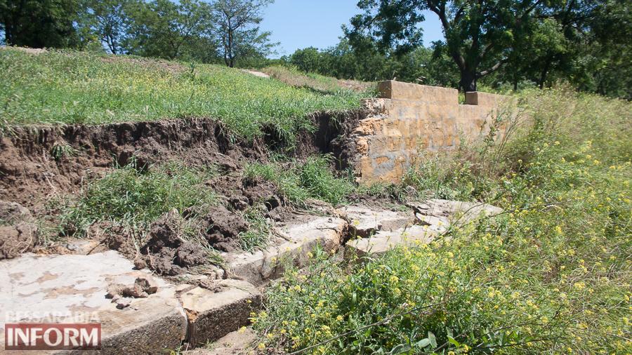 IMG_0283 Измаил: прошедший ливень вызвал обрушения в микрорайоне Крепость (ФОТО)