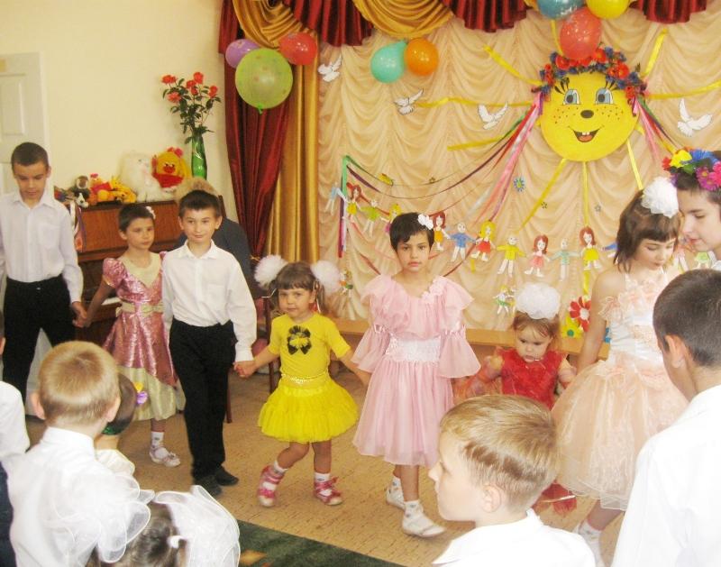 НачальникИзмаильской налоговой инспекции посетила Суворовский приют (фото)