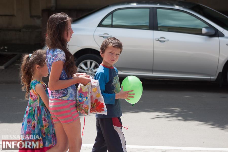 Фоторепортаж: Измаил празднует День защиты детей