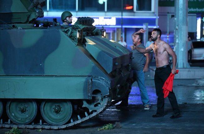 245679 В Турции произошла попытка военного переворота. Итоги ночных событий