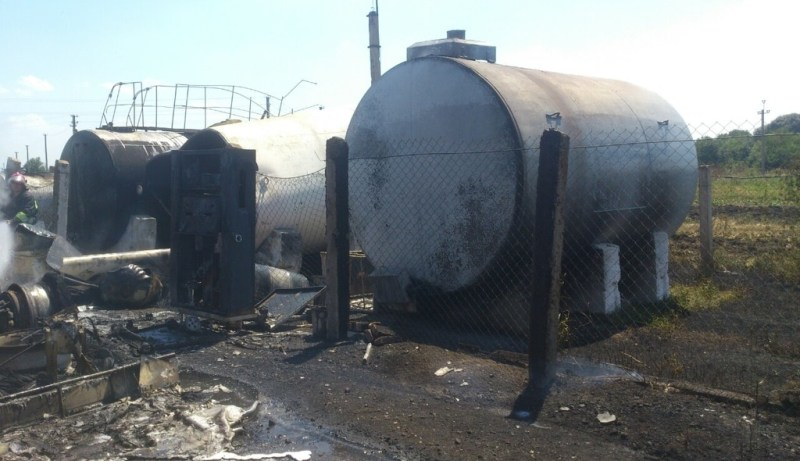 5-2 На севере области три человека пострадали из-за возгорания бензовоза