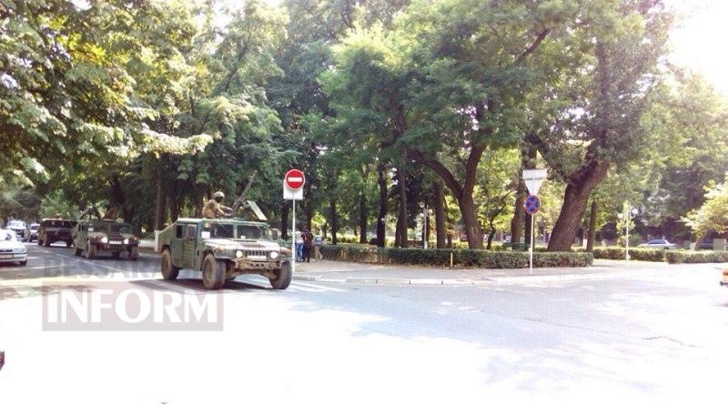 5798b500e54b3_eb6o7XI1SSs По Измаилу прошла колонна военной техники (фото)