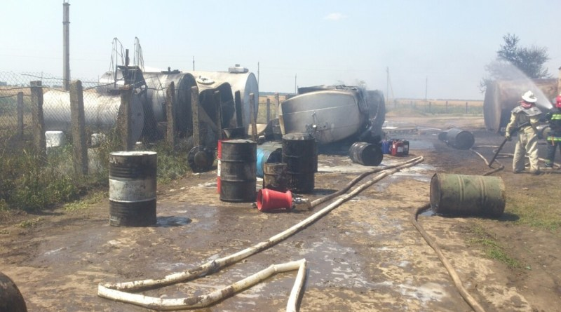 803048 На севере области три человека пострадали из-за возгорания бензовоза