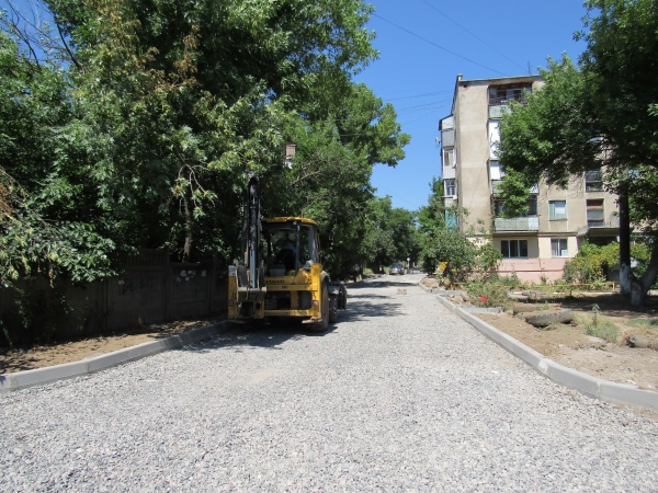 IMG_0201 Аккерман активно застилают тротуарной плиткой