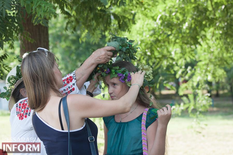 IMG_9688 Фоторепортаж: в Измаиле на Купала плели венки и водили хороводы