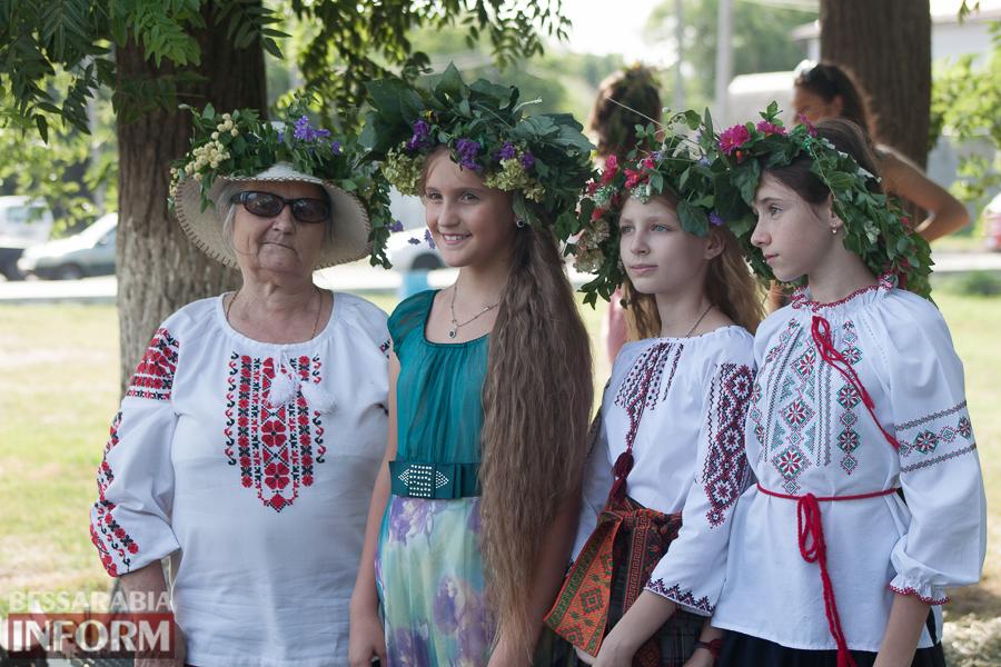 IMG_9692 Фоторепортаж: в Измаиле на Купала плели венки и водили хороводы