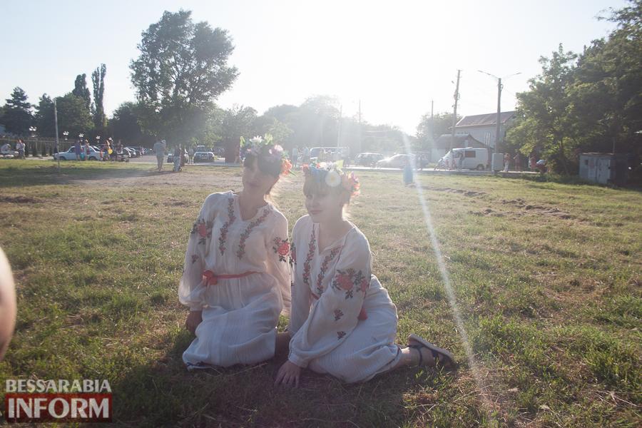 IMG_9784 Фоторепортаж: в Измаиле на Купала плели венки и водили хороводы