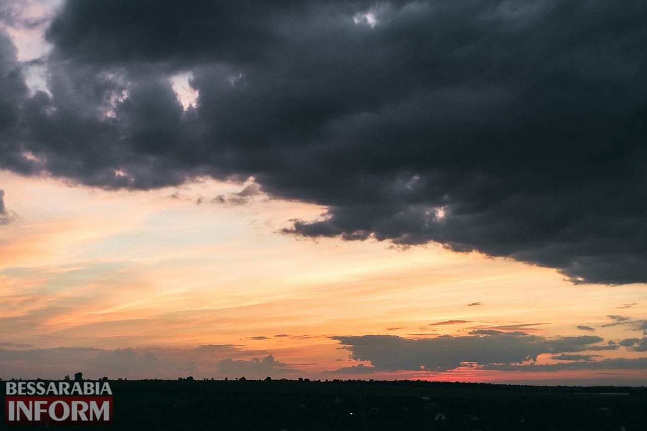 Закаты в Измаиле: уход дня и рождение ночи (ФОТО)