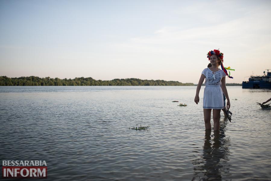 SME_9898 Фоторепортаж: в Измаиле на Купала плели венки и водили хороводы
