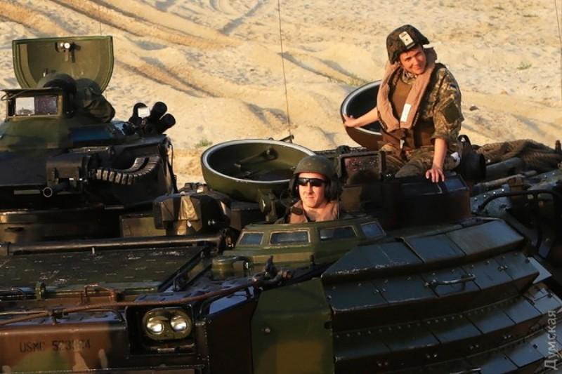 picturepicture_62300311156563_63618 По Измаилу прошла колонна военной техники (фото)