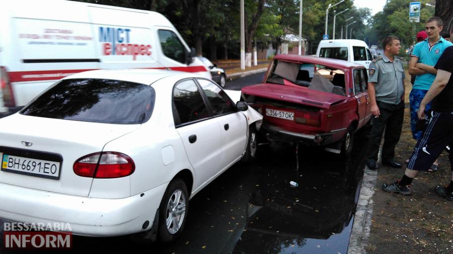0qTQ8hQJnEQ Измаил: на проспекте Суворова произошло ДТП с участием трех автомобилей (фото)