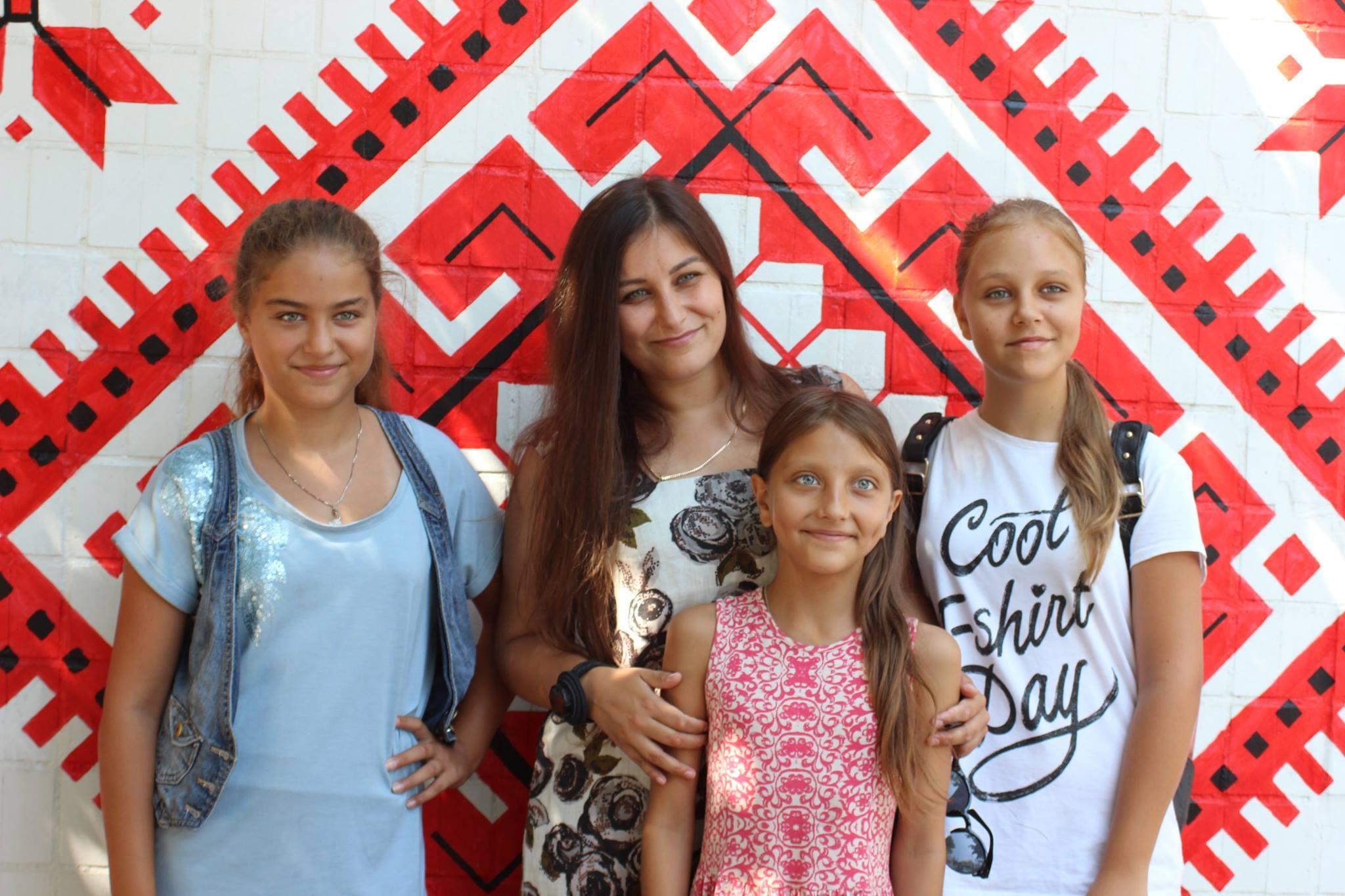В Белгород-Днестровском презентовали «вишиванковую стену»