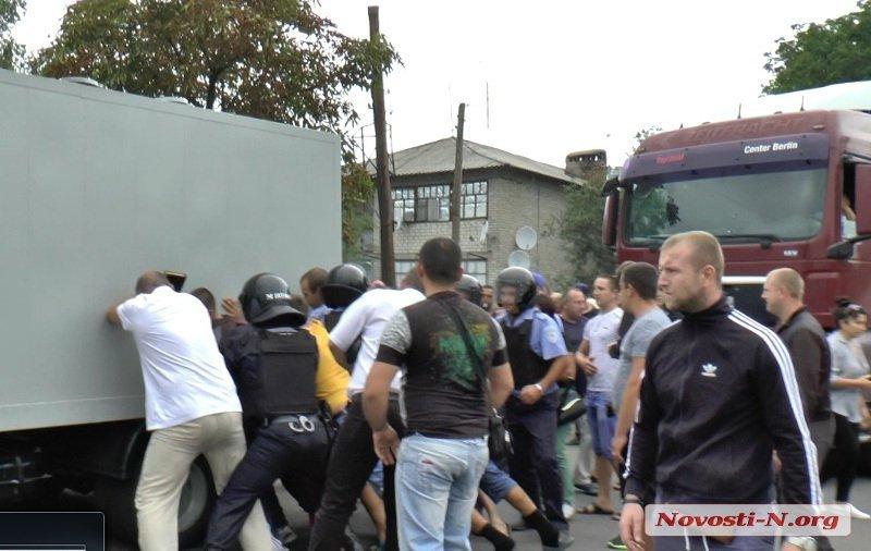 255520 В Николаевской области назревает новая Врадиевка (фото, видео)