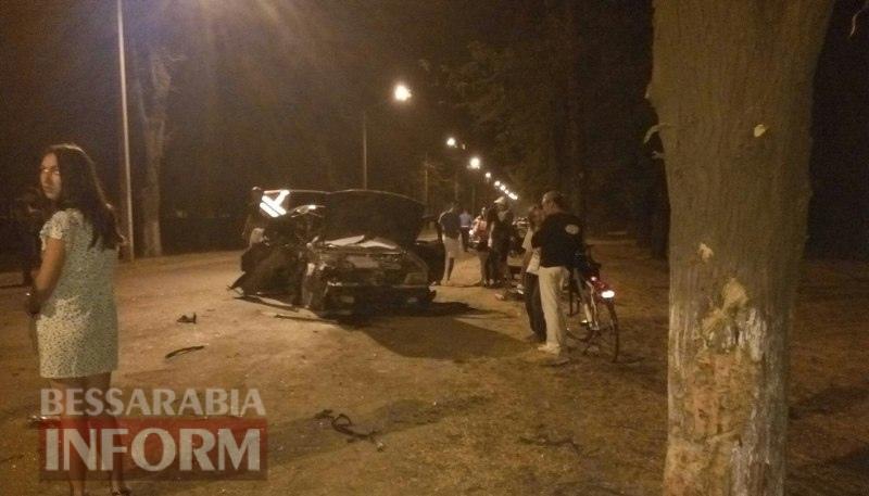 57a660d7247fc_64eRj8uGc8A Ночное ДТП в Измаиле: на проспекте Суворова Nissan Maxima разбился в дребезги (фото)