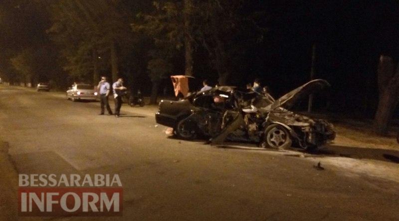 57a660d72603a_s8GASV4IS68 Ночное ДТП в Измаиле: на проспекте Суворова Nissan Maxima разбился в дребезги (фото)