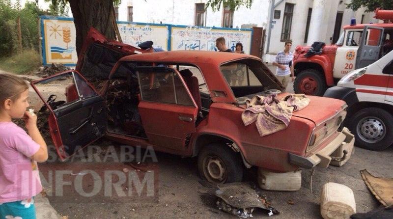 57a8b2d240bfd_dPbRgfZ6Geg Серьезное ДТП в Измаиле: на Савицкого водителю стало плохо за рулем (фото, видео)