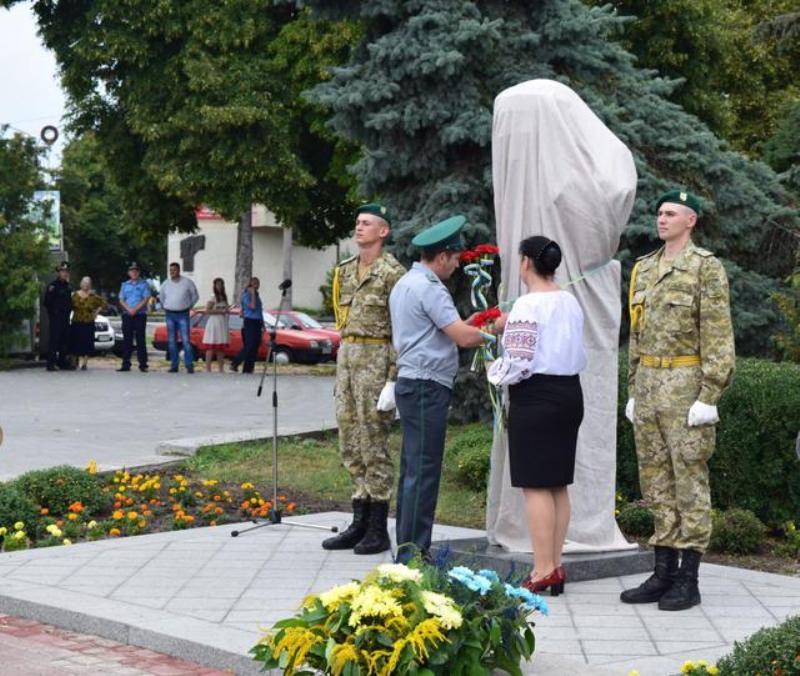 Легендарному генерал-майору Игорю Момоту открыли памятник на Черкащине (ФОТО)