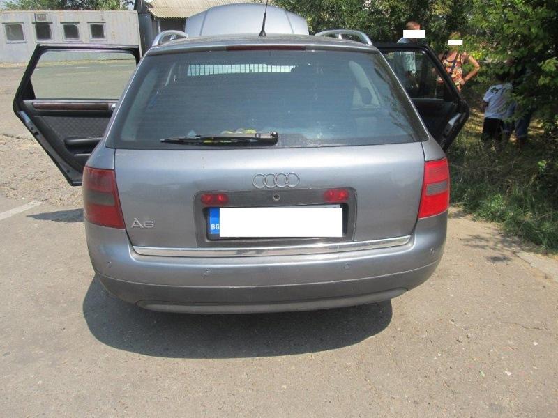 IMG_2683 В пункте пропуска «Виноградовка» выявили болгарский автомобиль с поддельным номером кузова