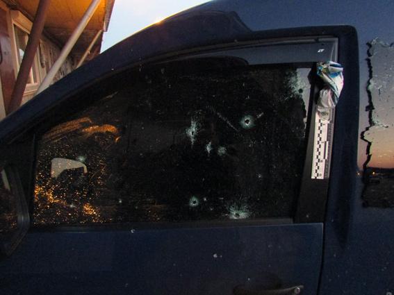 PM46image002 Ночью в Затоке неизвестные бросили гранату в автомобиль