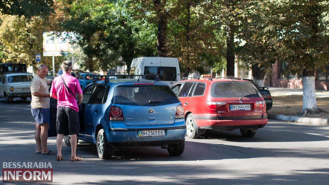 """SME_1440 ДТП на проспекте Суворова в Измаиле: ВАЗ """"догнал"""" Volkswagen"""