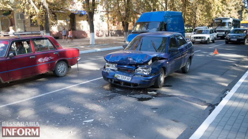 "SME_1442-e1472110142387 ДТП на проспекте Суворова в Измаиле: ВАЗ ""догнал"" Volkswagen"