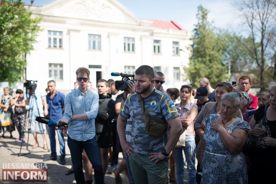 SME_2824 Митинг и похороны в один день - ситуация в Лощиновке продолжает накаляться (ФОТО)