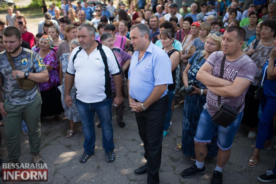 SME_2853 Митинг и похороны в один день - ситуация в Лощиновке продолжает накаляться (ФОТО)