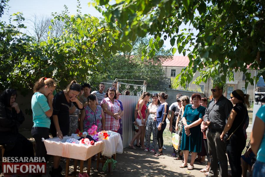 SME_2893 Митинг и похороны в один день - ситуация в Лощиновке продолжает накаляться (ФОТО)