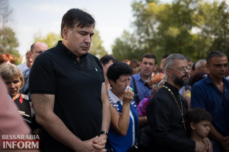 SME_2948 Митинг и похороны в один день - ситуация в Лощиновке продолжает накаляться (ФОТО)