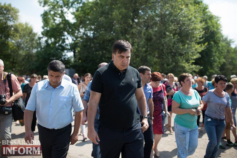 Митинг и похороны в один день - ситуация в Лощиновке продолжает накаляться (ФОТО)