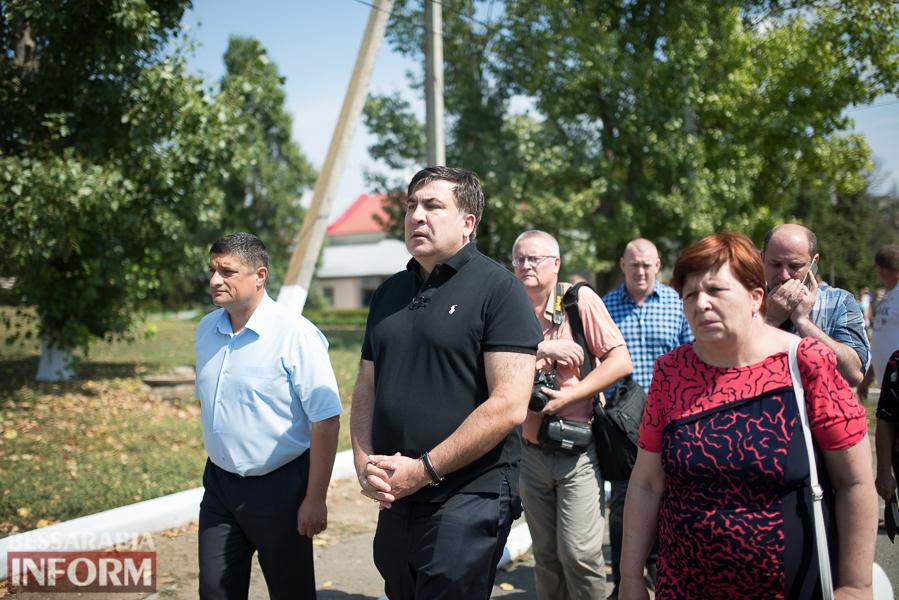 SME_2980 Митинг и похороны в один день - ситуация в Лощиновке продолжает накаляться (ФОТО)