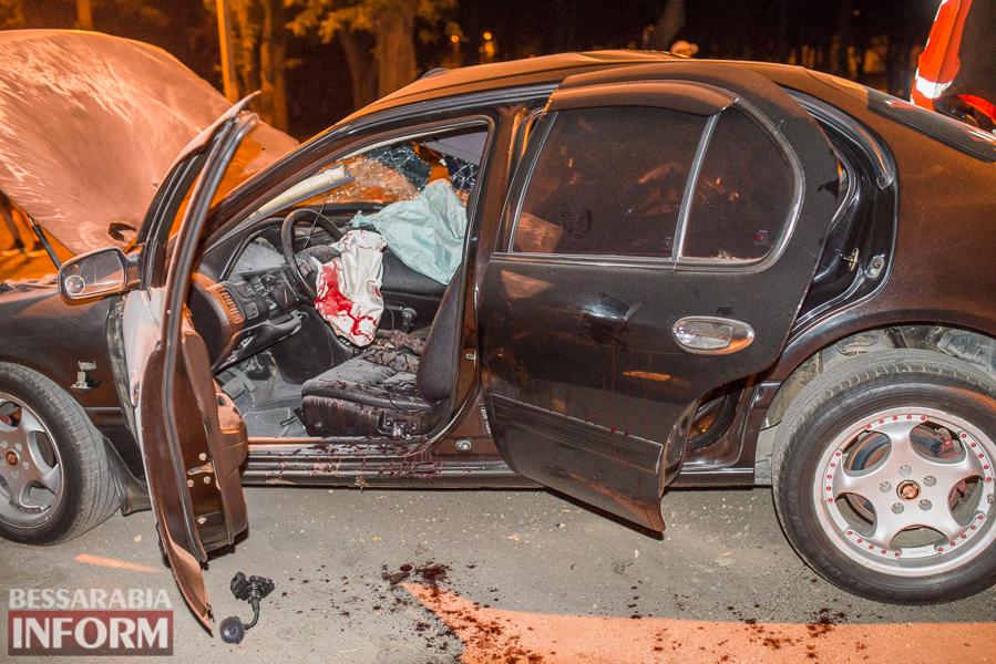 SME_3542 Измаил: водитель разбившегося ночью Nissana был нетрезв (фото)
