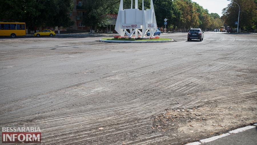 SME_4343 На въезде в Измаил одну стелу обновили и еще одну строят (фото)