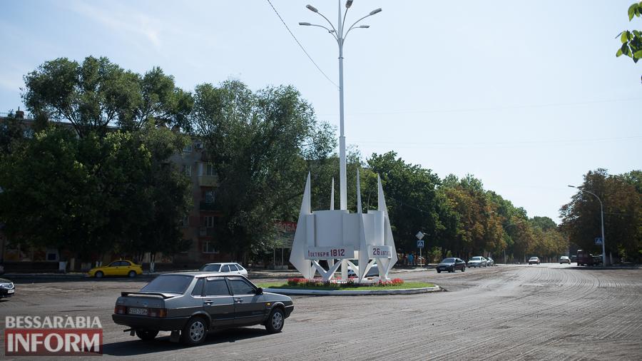SME_4346 На въезде в Измаил одну стелу обновили и еще одну строят (фото)